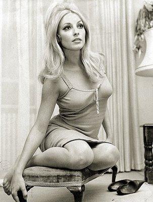 Roman Polanskis då gravida fru, skådespelerskan Sharon Tate, mördades 1969 av Mansonligan.