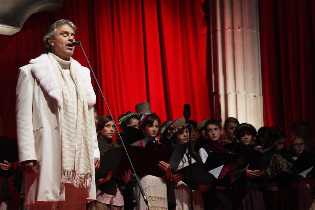 Andrea Bocelli - premiären av En julsaga med Jim Carrey
