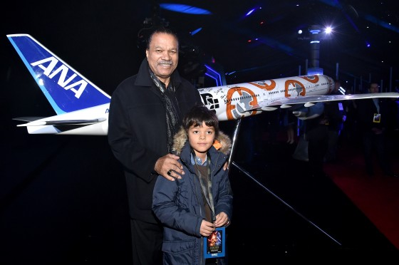 """HOLLYWOOD, CA - DECEMBER 14:  Actor Billy Dee Williams attends the World Premiere of """"Star Wars: The Force Awakens"""" at the Dolby, El Capitan, and TCL Theatres on December 14, 2015 in Hollywood, California.  (Photo by Mike Windle/Getty Images for Disney) *** Local Caption *** Billy Dee Williams"""
