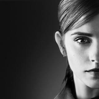 Twitterstorm hos Emma Watson – Anklagas för att exploatera Alan Rickmans död